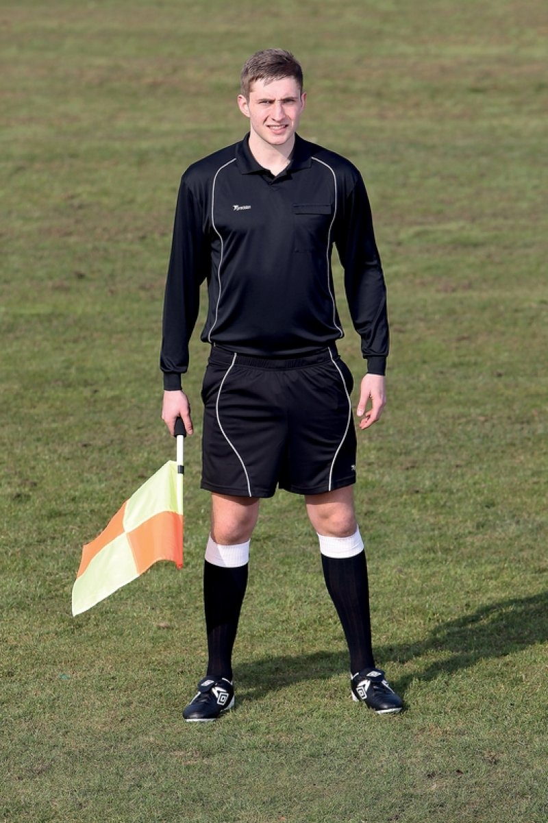 soccer officiating Become a football referee, soccer ref training course, certification guide, test, training, kids' qualifications, youth eligibility, requirements, age, info.